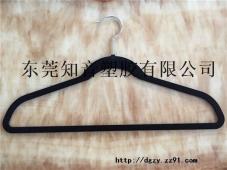 黑色衣架料东莞知音塑胶特价供应pc+abs合金再生颗粒2800元吨 欢迎打板