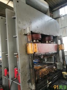 水泥砖托盘压机