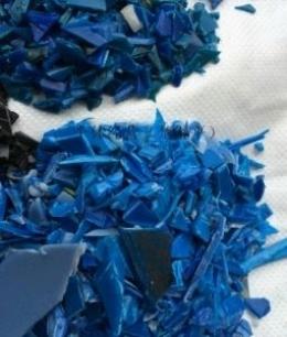 求购大量收购大蓝桶破碎料