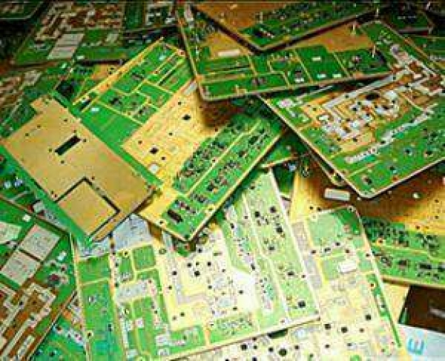 电容;二极管;晶体管;厚膜电路;独石电容;集成电路板