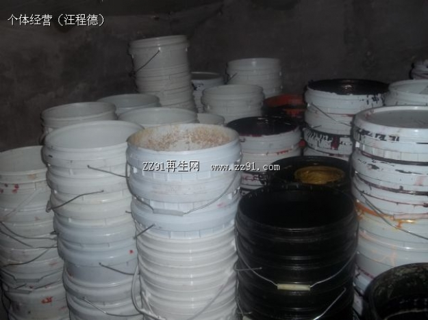 供应铁桶_铁桶图片相册-zz91再生网