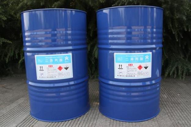 5%   美/日  13200元/吨 150kg/铁桶 环己胺     99.